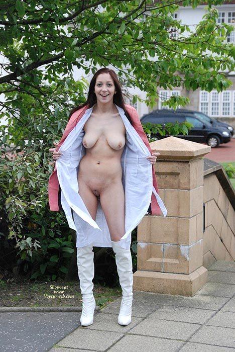 Belle bond pornstar