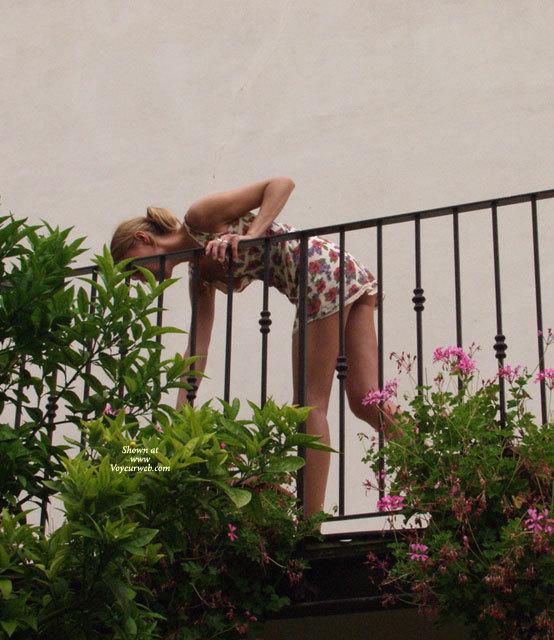 Voyeur neighbors photos butthole nudes