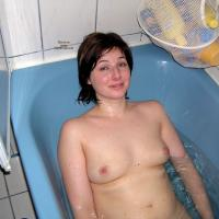 Heike at Home - Brunette, Wet