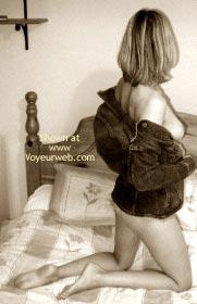 Pic #3 - Mindys Sexy Rear!