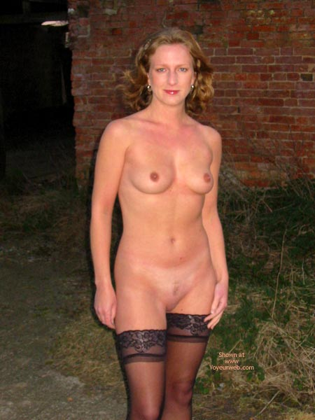 Pic #6 - Saucyminx Naked Outside 2