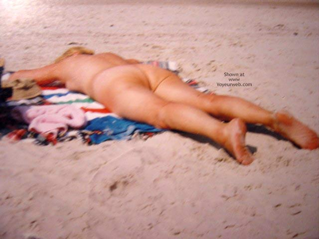 Pic #3 - Sexy Mature On The Beach