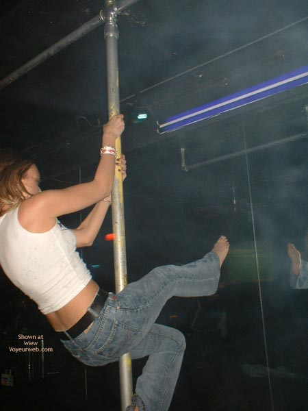 Pic #9 - College Girl Pole Dancing