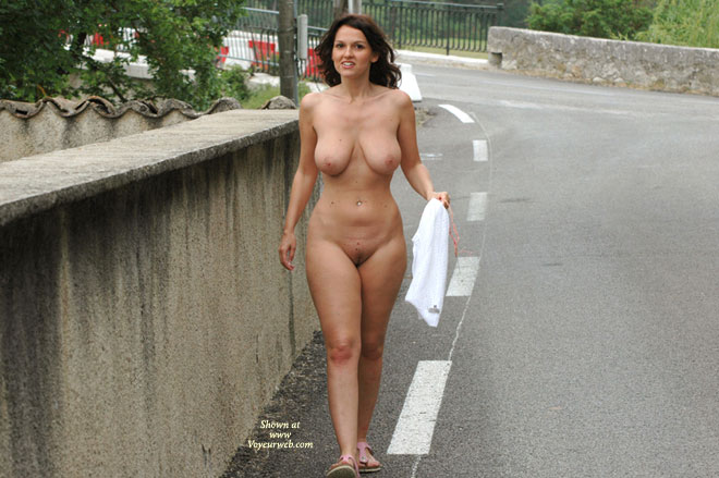 Exabitionist nude walk in public