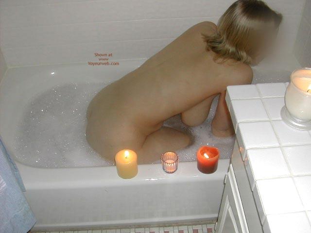 Pic #1 - Minnesota Wife Takes A Bath