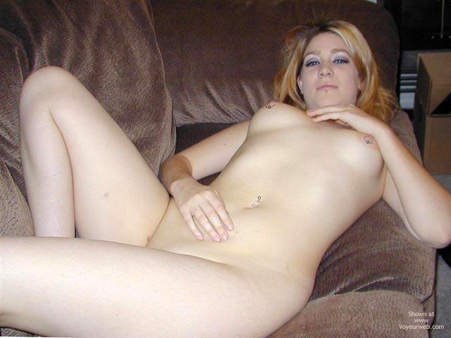 Pic #9 - Emma 19 White Queen