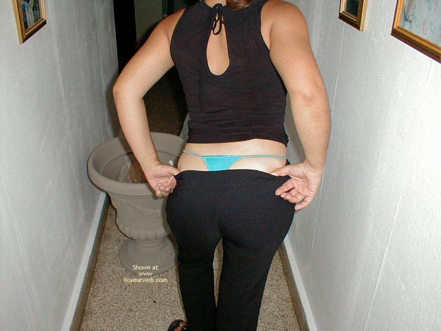 Pic #1 - Ys My 29 Yo Wife Hot Ass