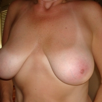 Very large tits of my wife - Lynn