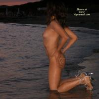 Tramonto on The Beach - Beach, Brunette