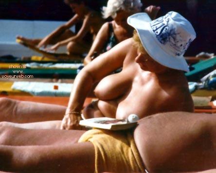 Pic #4 - Topless in Tenerife