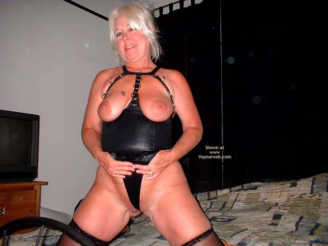 Pic #5 - Tammy In Black Mini And Stockings 2