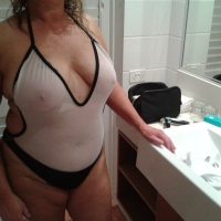 Medium tits of my wife - Aussie Babe