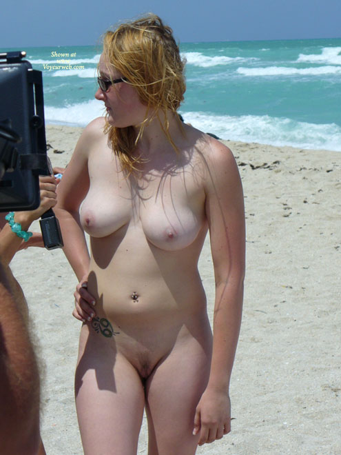 skinny women at nude beach