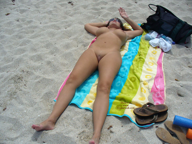 nude girls laying beach