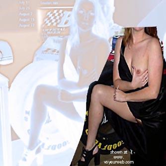 Pic #4 - Nudie In Bar