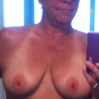 Medium tits of my wife - Michelle