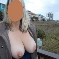 Large tits of my wife - Leggs