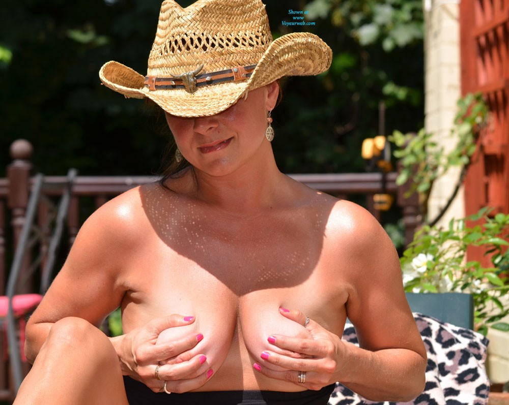 Pic #1 - Getting Hot 2 - Big Tits, Pussy Lips, Shaved , Hi , Thank You For You Lovely Comments On My First Contri. Hope You Enjoy These As Much .  Getting Braver With Red Clouds As Well. Kezza