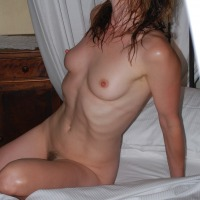 Medium tits of my girlfriend - Midwestern Girl