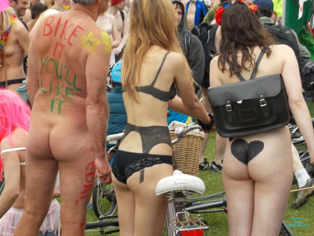 Attractive Brighton Nude Bike Ride Pic