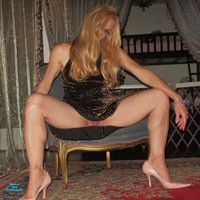 Hot Sexy Legs - High Heels Amateurs, Long Legs, Blonde, Dressed, Pussy, Shaved