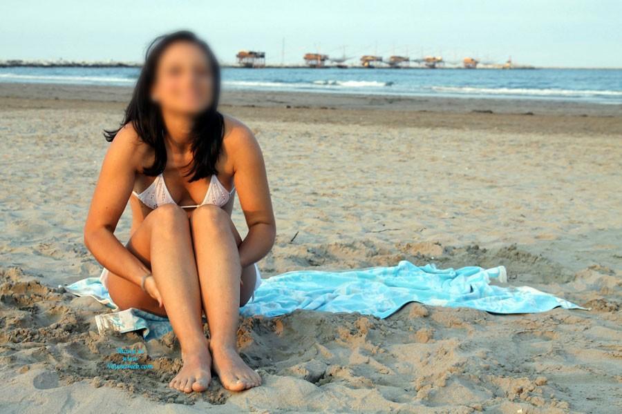 Pic #5 - Divissima Bikini - Pussy, Beach, Bikini Voyeur, Brunette, Shaved