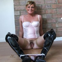 Cherie - Nawty Mummy in Leeds Uk - Blonde, Lingerie, Toys, Bush Or Hairy