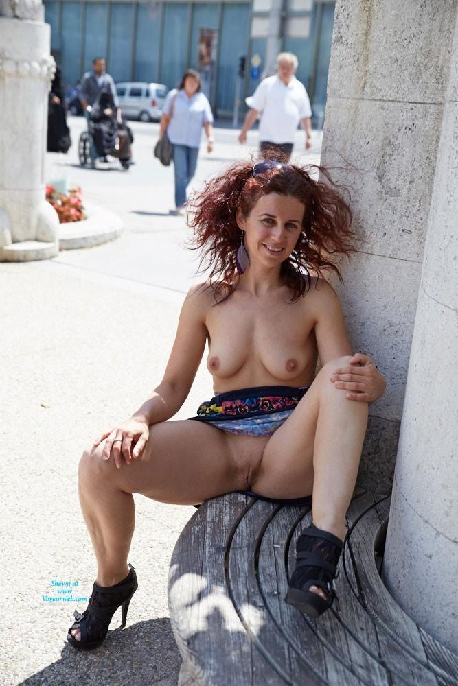 exhibitionist nipples