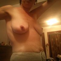 Medium tits of my girlfriend - wendy