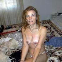 Very small tits of my wife - Mogliekaty