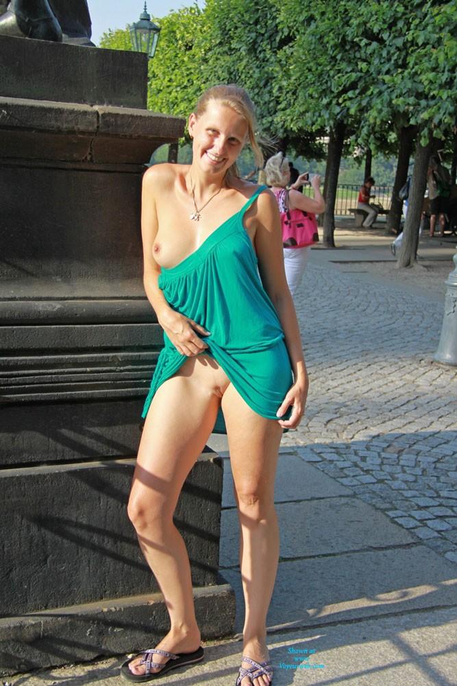 Nackt In Dresden