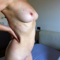 Large tits of my wife - complici1927
