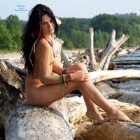 Bonus Return Amazon - Brunette Hair, Hard Nipple, Pussy Lips, Shaved, Small Tits, Beach Voyeur, Sexy Ass