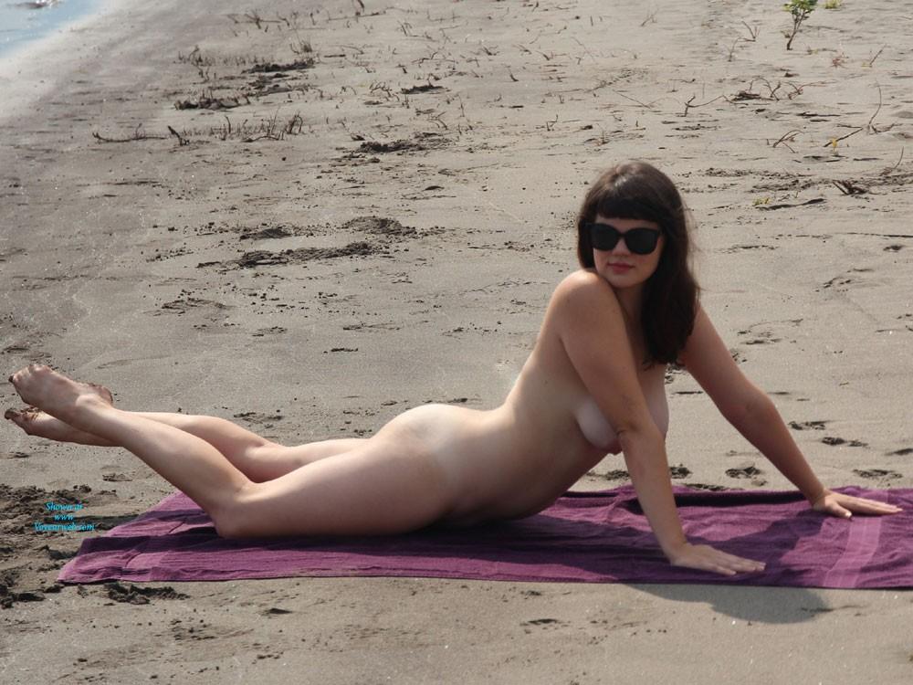 Pamela anderson nude boobs