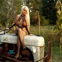 Tractor Sexy - Blonde, Lingerie