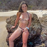 Hot Carolina - Beach, Medium Tits, Bush Or Hairy, Bikini Voyeur, Firm Ass, Flashing, Hard Nipples, Pussy