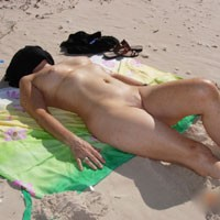 Fraser Coast - Beach, Wife/Wives, Medium Tits, Pussy, Shaved