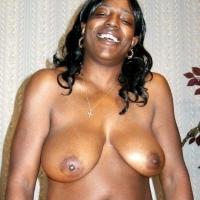Medium tits of my room mate - Michelle