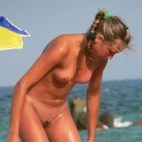 Cute Chick! - Beach