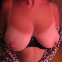 Extremely large tits of my wife - Chels34e