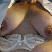 Medium tits of my room mate - Pam
