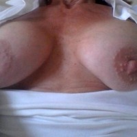 My medium tits - Pam
