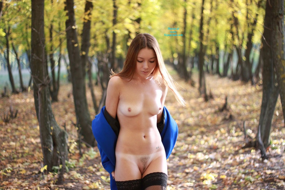 Pic #1 - Vivienne @ Autumn - Brunette Hair, Natural Tits, Nude In Public, Shaved, Small Tits, Sexy Lingerie , Golden Autumn .... A Walk In The City Park.