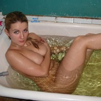 Bathing - Brunette, Mature, Wet