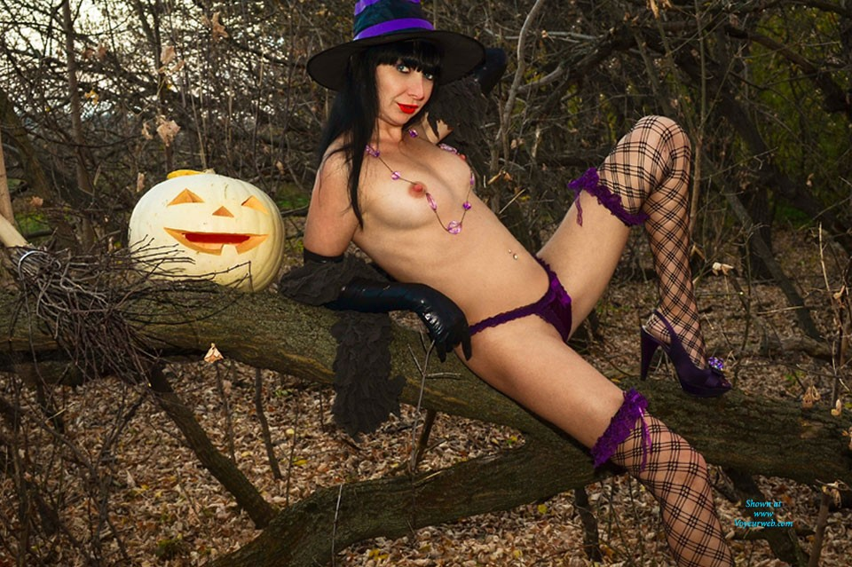 Sexy Witch - Big Tits, Brunette Hair, Hard Nipple, Nude In Public, Sexy Ass, Costume , Once Upon A Time...