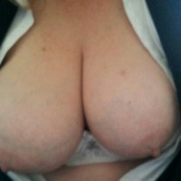 Very large tits of my girlfriend - ronni