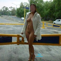 Estadio - Public Exhibitionist, Public Place