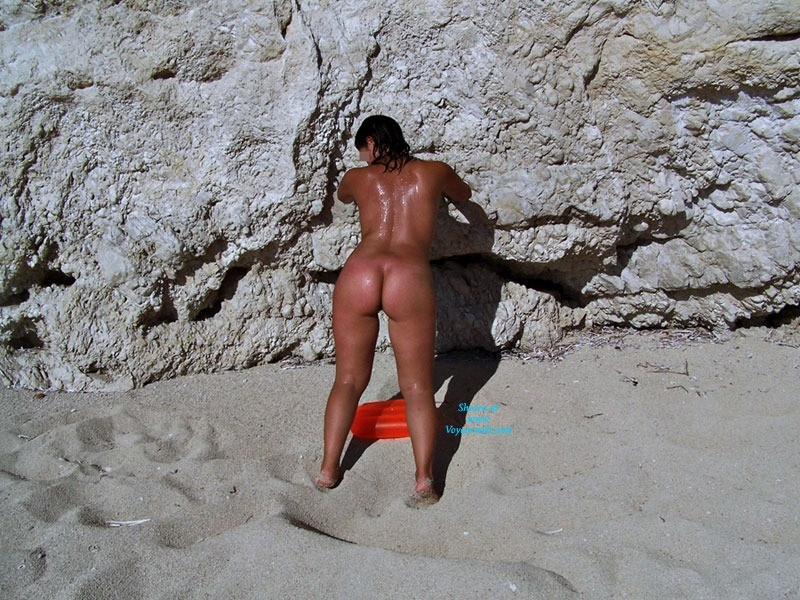 Pic #1 - Vacation Continues! - Brunette Hair, Beach Voyeur , I Love Summer,and I Like Stay Nude On The Beach!
