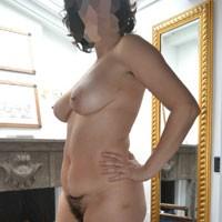A Mia Moglie Piace Farsi Vedere e... - Big Tits, Bush Or Hairy