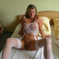 Webnutte - Big Tits, Lingerie, European And/or Ethnic
